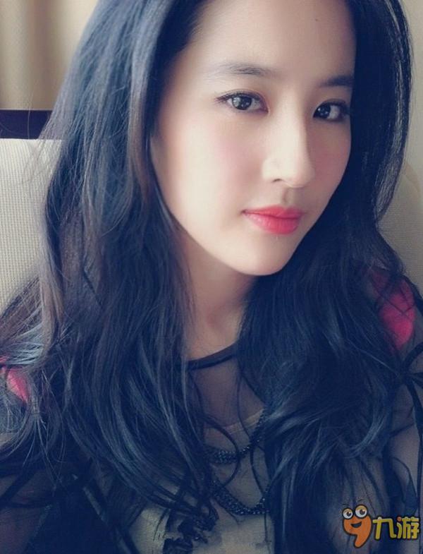 【最新】刘亦菲素颜读书照 网友:就像十几岁高中生(娱乐hot)