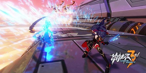 《崩坏3》游戏角色雷电芽衣战斗画面