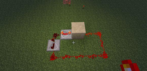 这些是红石电路的主要,也是基本构成物品,后边的从左到右分别为: 红石火把:输出红石信号 按钮:输出一个红石脉冲信号(也就是按下去的时候会输出一个信号) 拉杆:输出一个连续的红石信号(打开的时候作用同红石火把) 踏板: 石头踏板:被人或动物踩下输出连续的红石信号 木头踏板:被人,动物或物品压住输出连续的红石信号 红石粉末:传导红石信号 红石中继器:单向通过并增强红石信号,可以设置4档延迟 活塞: 普通活塞:接收到红石信号时会伸出活塞臂将方块退离活塞 粘性活塞:接收到红石信号会伸出活塞臂将方块推离活塞,信号