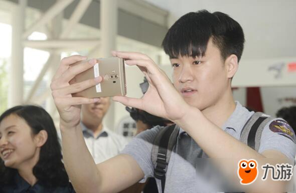 """康得新裸眼3D手游解决方案 开辟手游""""新蓝海"""""""