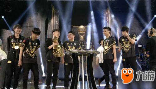 《LOL》2018季中邀请赛决赛RNG拿下总冠军 小狗UZI终圆冠军梦