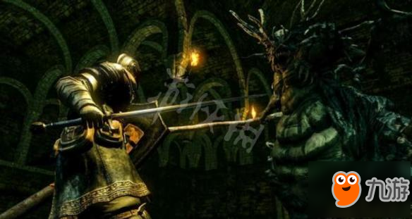 《黑暗之魂重制版》混沌刺剑好用吗?混沌刺剑实战视频分享